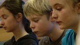 Børn mediterer